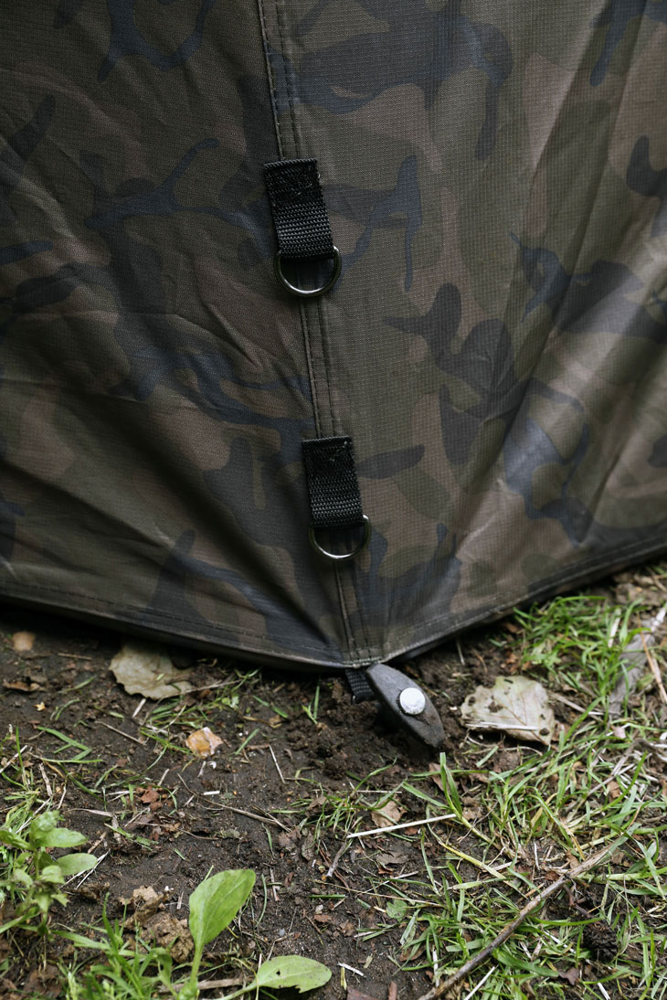 ultra-brolly-camo-multiple-pegging-pointsgif