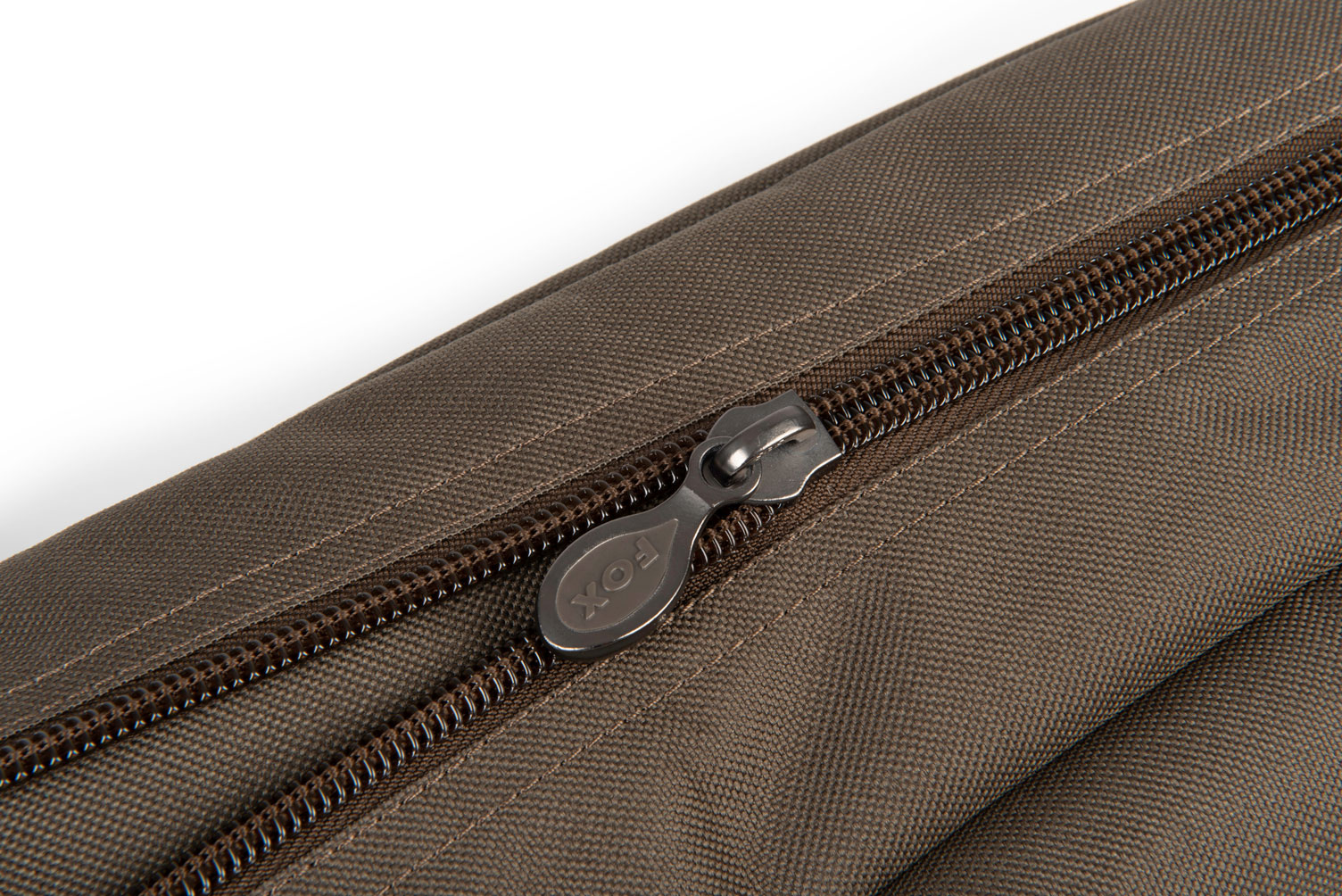 explorer_3_rod_bag_zip_detailjpg