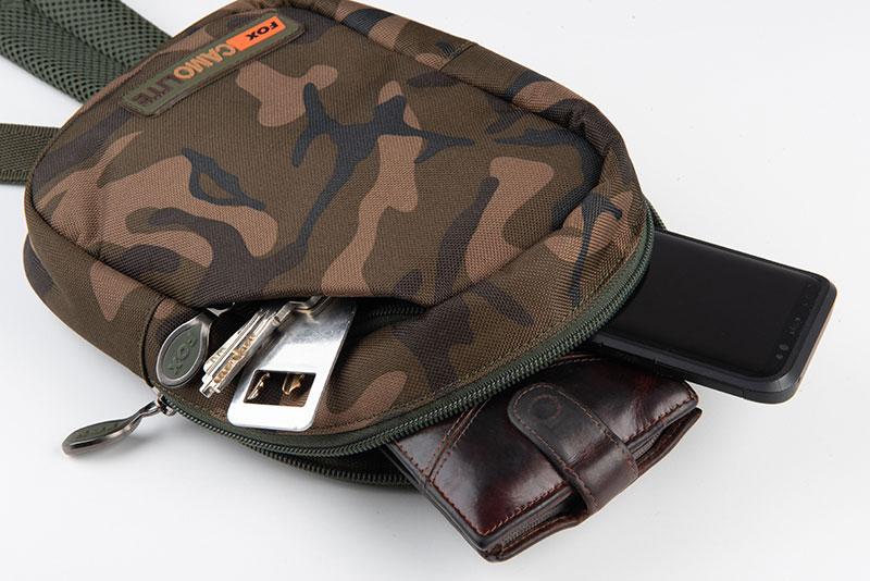 clu438_fox_camolite_shoulder_bag_contents_detail_1jpg