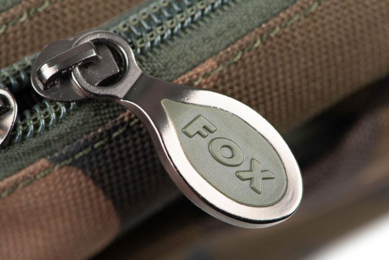 clu438_fox_camolite_shoulder_bag_zip_detailjpg