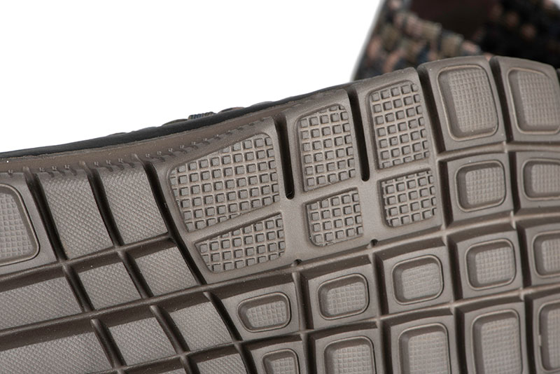 cfw120_125_fox_camo_mesh_trainers_sole_detail_2jpg