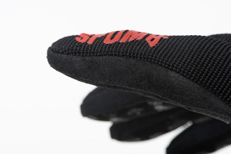 spomb_glove_finger_logo_detailjpg