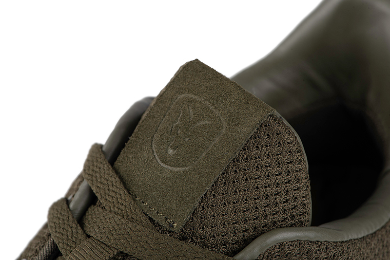cfw144_149_fox_olive_trainers_tongue_logo_detailjpg