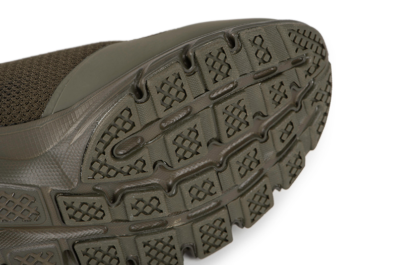 cfw144_149_fox_olive_trainers_sole_detailjpg