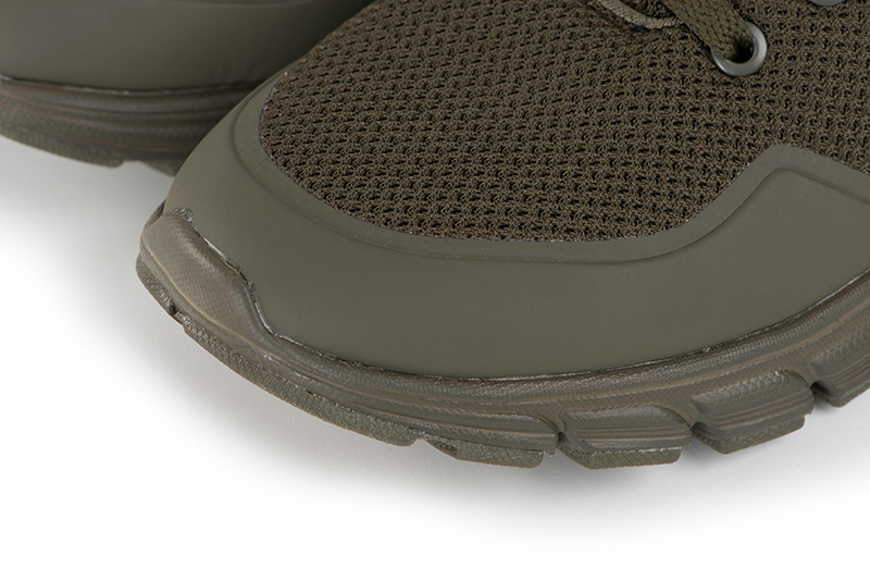 cfw144_149_fox_olive_trainers_toe_detailjpg