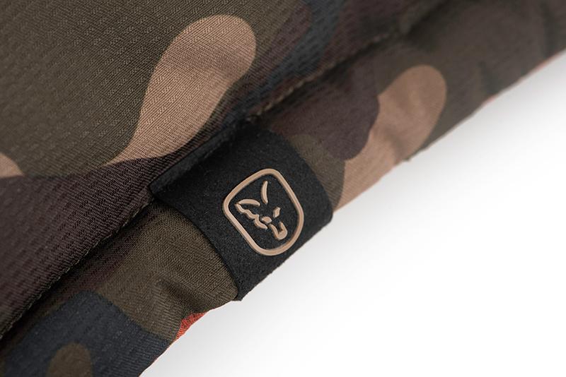 cfx169_175_fox_orange_camo_reversible_jacket_logo_tab_detail_1jpg