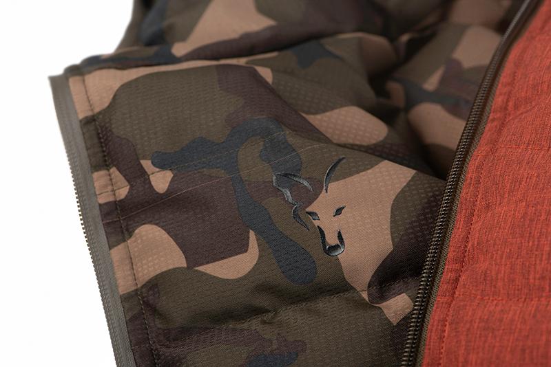 cfx169_175_fox_orange_camo_reversible_jacket_logo_detail_2jpg
