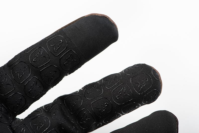cfx125_127_fox_camo_thermal_gloves_fingers_detail_2jpg