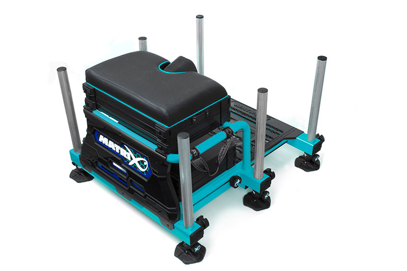gmb141-s36-blue_rear-quarterjpg