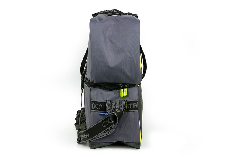 glu091-ethos-jumbo-roller-bag_sidejpg