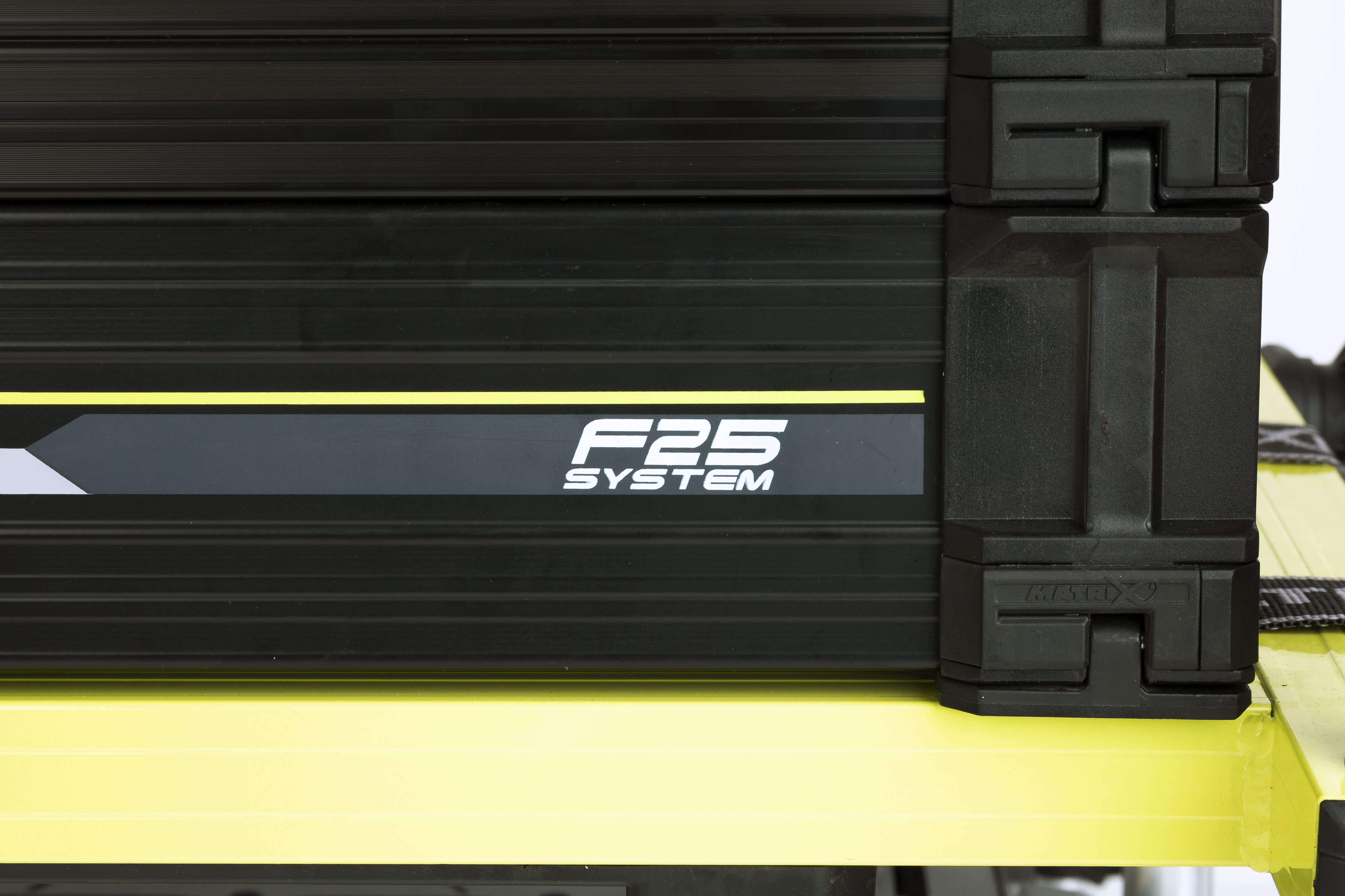 f25-seatbox_cu01jpg