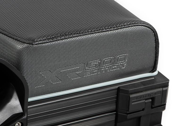 8-gmb179_matrix_xr36_pro500_limited_edition_seat_box_grey_seat_logo_detailjpg
