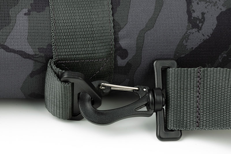 rage_voyager-camo_single-rod-bag_cu03jpg
