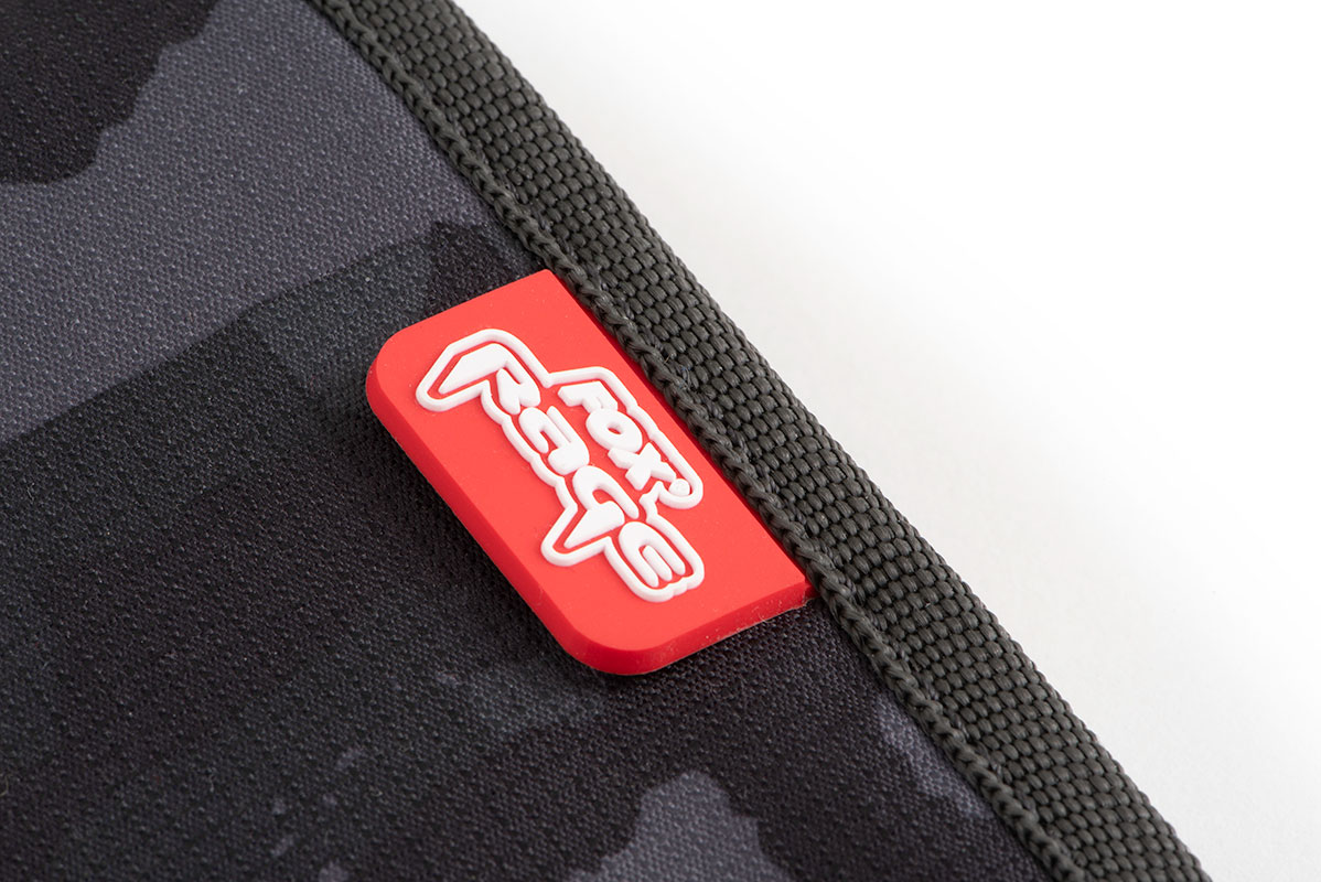 rage_camo_wallet_rubber_badge_detailjpg