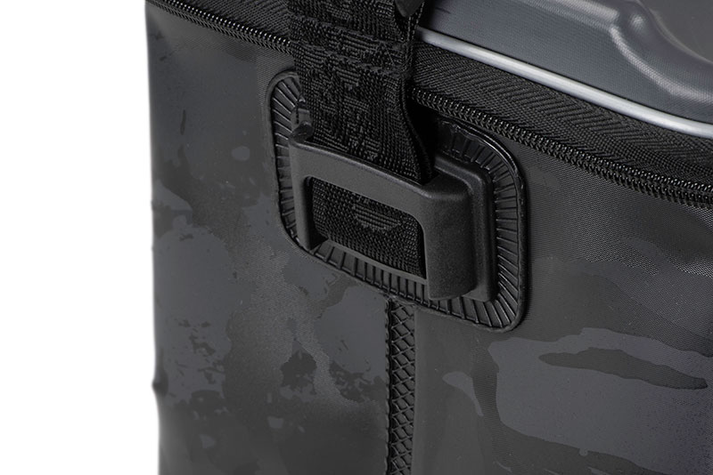 nlu083_rage_mdeium_camo_welded_bag_strap_fixing_detailjpg