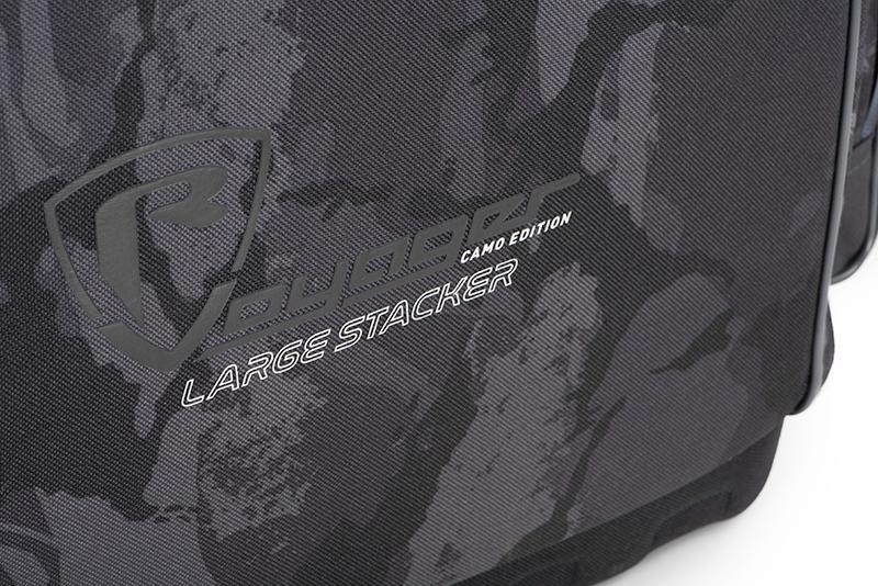 nlu091_rage_voyager_camo_stacker_large_logo_detailjpg