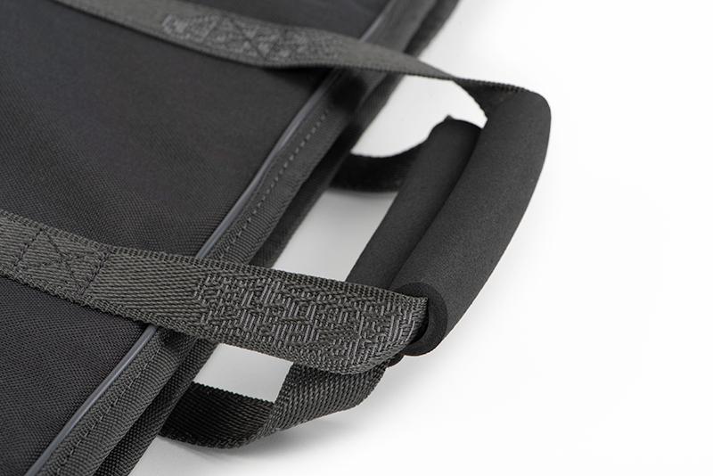 nlu092_rage_voyager_camo_1_3m_rod_sleeve_carry_handle_detailjpg