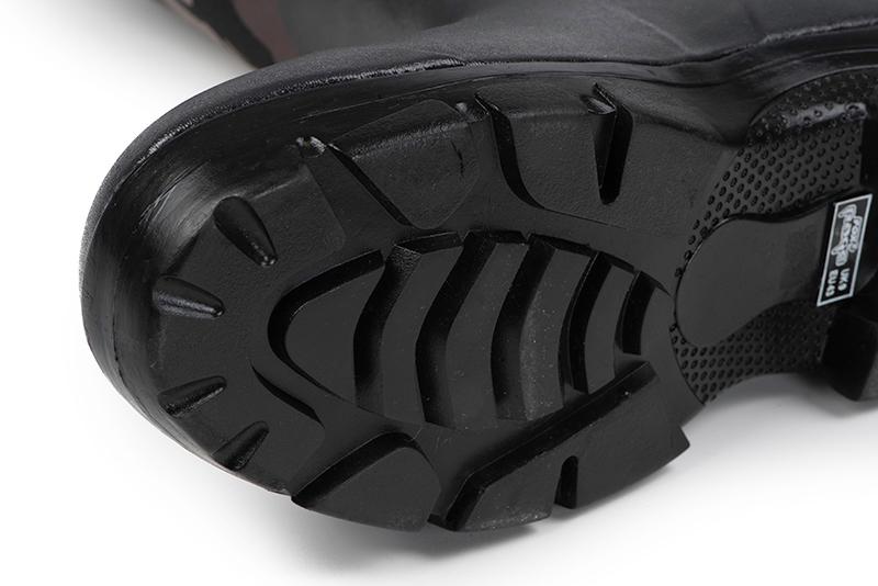 nfw013_018_rage_camo_neoprene_boots_sole_detailjpg