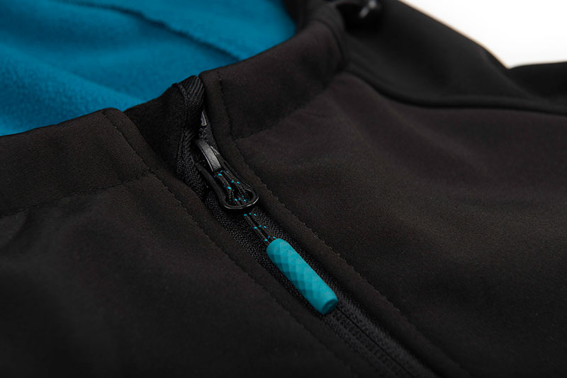 qpr027_032_salmo_soft_shell_jacket_chest_zip_detailjpg