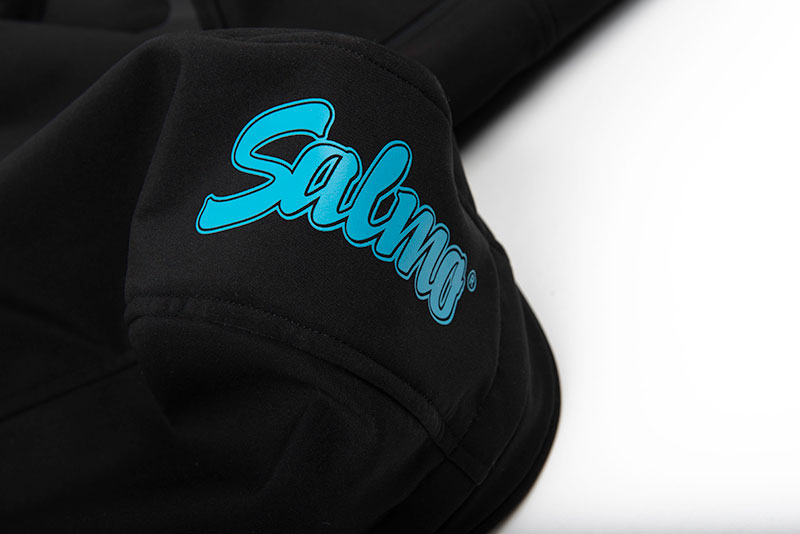 qpr027_032_salmo_soft_shell_jacket_hood_logo_detailjpg